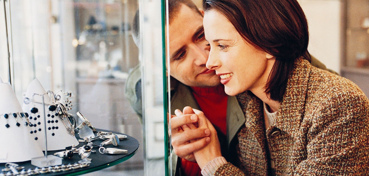 Engagement Ring Shopping With Your Fiancéetobe: The Guide To Getting It  Right
