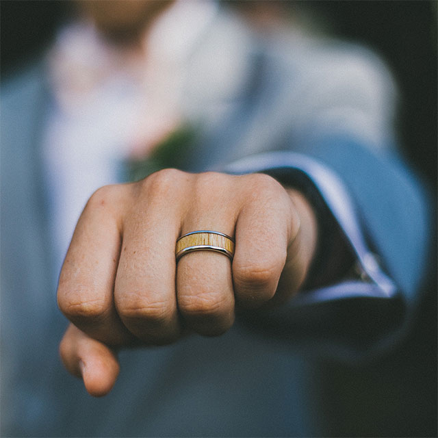 Wedding Rings, Eternity Rings and Anniversary Rings | JamesAllen.com
