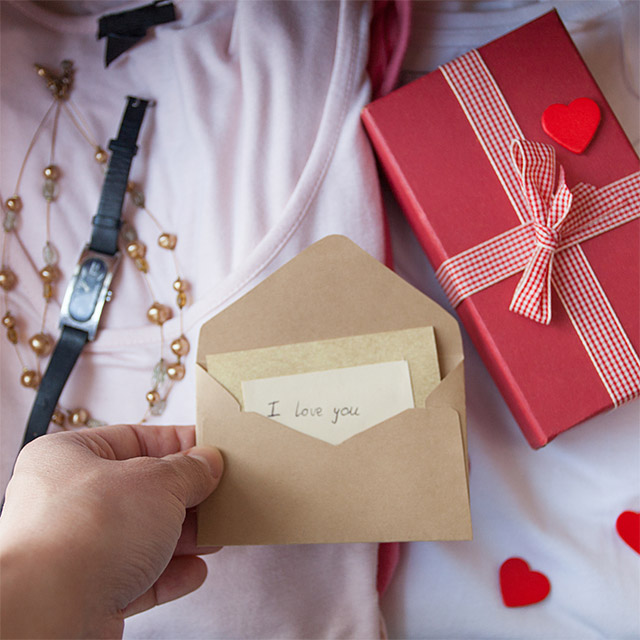 5 Great Ways To Present A Special Gift